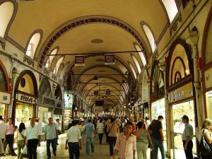 Grand Bazaar, em Istambul, maior mercado coberto do mundo. E não possui estacionamento - Paulo Sant'Ana pira.