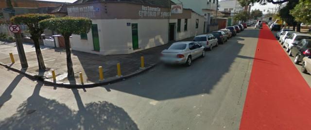Simulação que mostra que há espaço para implementação de ciclovia na via da rua Dezoito de Novembro.